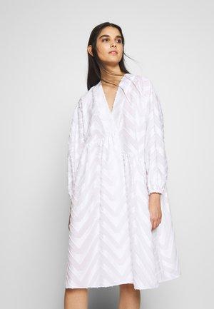 KIVA - Vestido informal - white