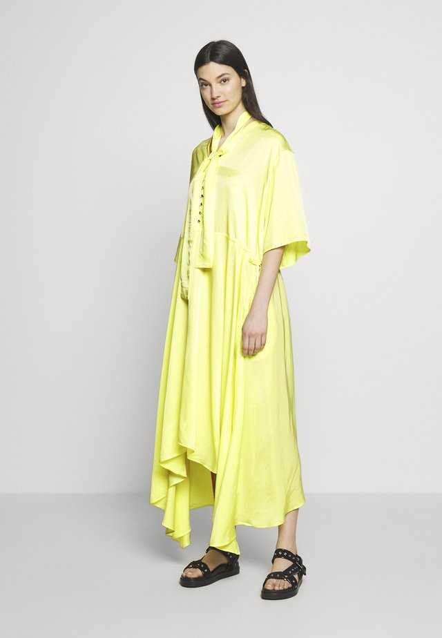 KOCCA - Maxikleid - yellow