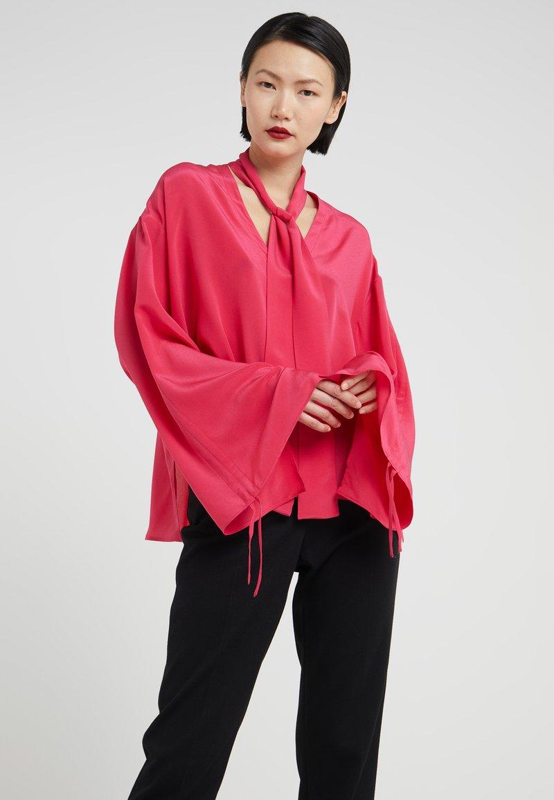Mykke Hofmann - LEA - Button-down blouse - rasberry