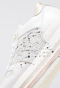 Noclaim - LIA - Sneakers - platino - 2