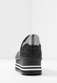 Noclaim - ISA - Sneakers laag - nero/platino - 5