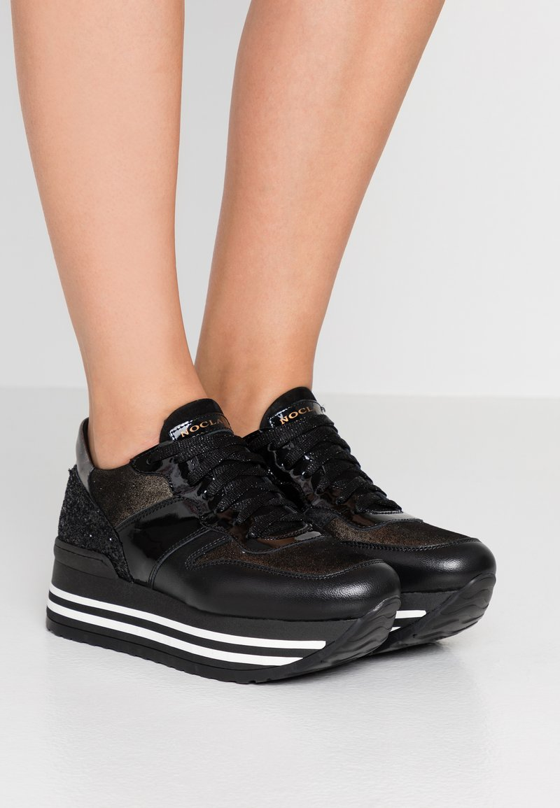 Noclaim - ISA - Sneakers laag - nero/platino
