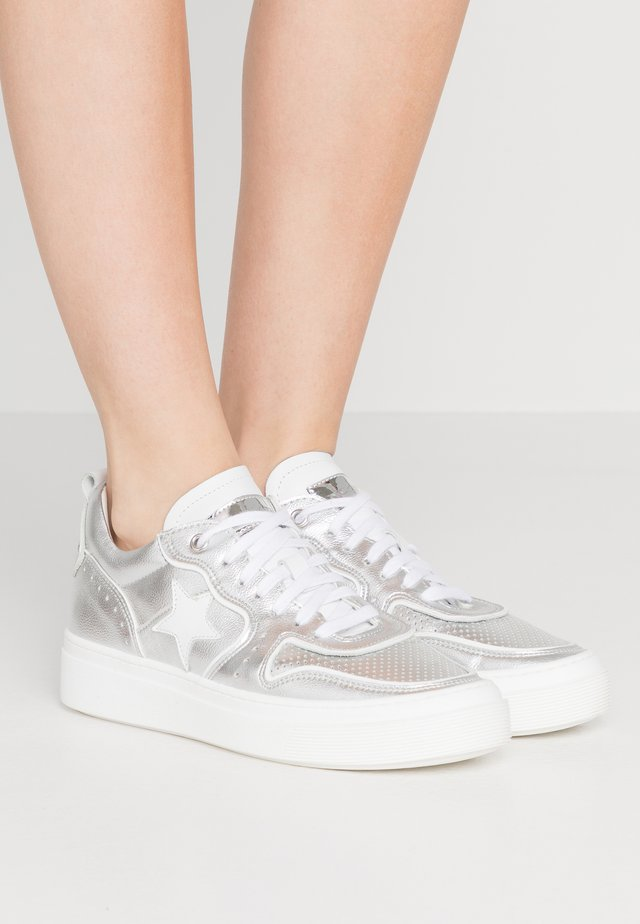 ALEX  - Sneakers laag - argento