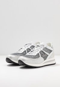Noclaim - NANCY  - Trainers - silver - 4