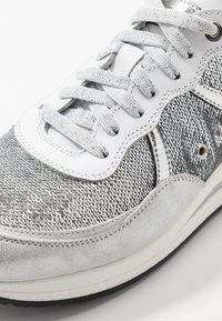 Noclaim - NANCY  - Trainers - silver