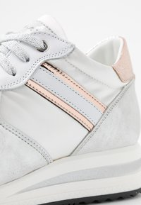 Noclaim - JESSY - Sneakers laag - cipria - 2