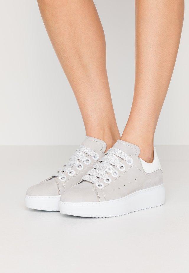 GALA  - Sneaker low - perla