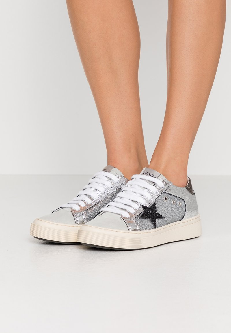 Noclaim - ANDREA  - Trainers - silver
