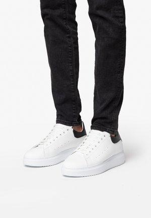 DALI 7 - Sneakers basse - bianco nero