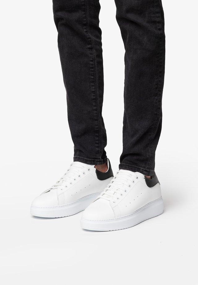 DALI 7 - Trainers - bianco nero
