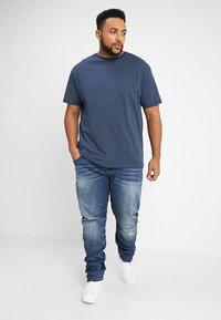 North 56°4 - T-shirt z nadrukiem - dunkelblau - 1