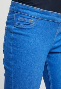 New Look Maternity - KNEE NEW WASH - Jeans Skinny Fit - blue - 3