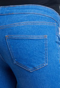 New Look Maternity - KNEE NEW WASH - Jeans Skinny Fit - blue - 5