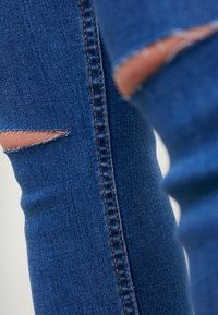 New Look Maternity - Jeans slim fit - mid blue - 5