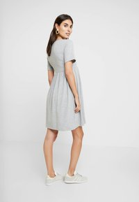 New Look Maternity - NURSING SMOCK DRESS - Žerzejové šaty - grey - 2
