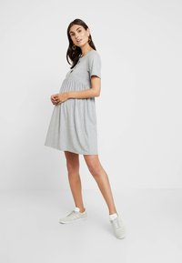 New Look Maternity - NURSING SMOCK DRESS - Žerzejové šaty - grey - 1