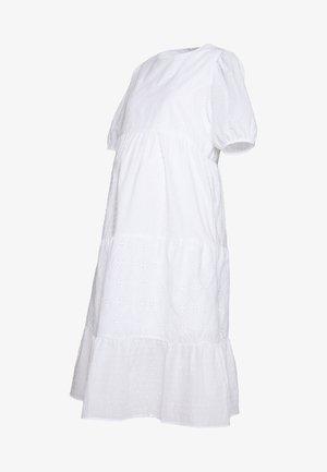 TIERED MIDAXI - Korte jurk - white