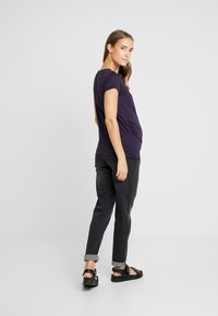 New Look Maternity - SHORT SLEEVE 2 PACK - T-shirts - navy/light grey marl - 2