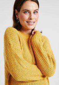 New Look Maternity - MATERNITY OP LI LONG LINE JUMPER - Jersey de punto - mustard - 5