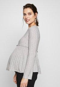 New Look Maternity - LOUNGE C+S FG LETTUCE EDGE - Stickad tröja - light grey melange - 0