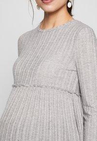 New Look Maternity - LOUNGE C+S FG LETTUCE EDGE - Stickad tröja - light grey melange - 5