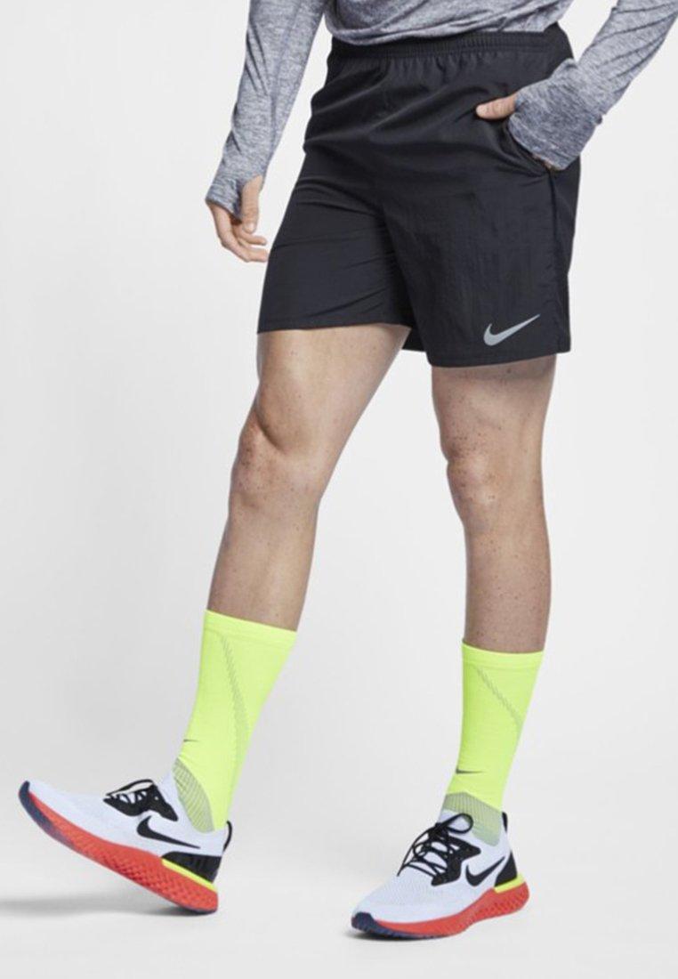 Nike Performance - Shorts - black