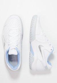 Nike Performance - ZOOM AIR RESISTANCE - Multicourt tennis shoes - white/metallic silver/pure platinum/aluminum - 1