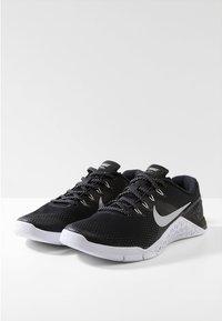 Nike Performance - METCON 4 - Sports shoes - black/metallic silver/white - 2
