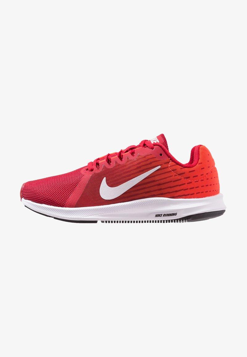 Nike Performance - DOWNSHIFTER 8 - Chaussures de running neutres - gym red/vast grey/bright crimson/black/white