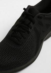 Nike Performance - WMNS REVOLUTION 4 EU - Nøytrale løpesko - black - 5