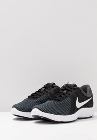 Nike Performance - WMNS REVOLUTION 4 EU - Neutrale løbesko - black/white/anthracite - 2