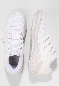 Nike Performance - AIR ZOOM VAPOR X - Multicourt tennis shoes - white/vast grey - 1