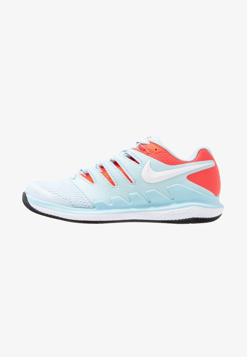 Nike Performance - AIR ZOOM VAPOR X HC - Multicourt tennis shoes - still blue/white/bright crimson/black