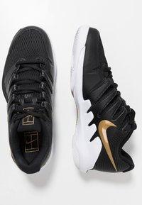 Nike Performance - AIR ZOOM VAPOR X - Scarpe da tennis per tutte le superfici - black/metalilc gold/white - 1