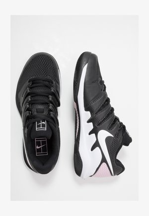 Multicourt tennis shoes - black/white/pink foam