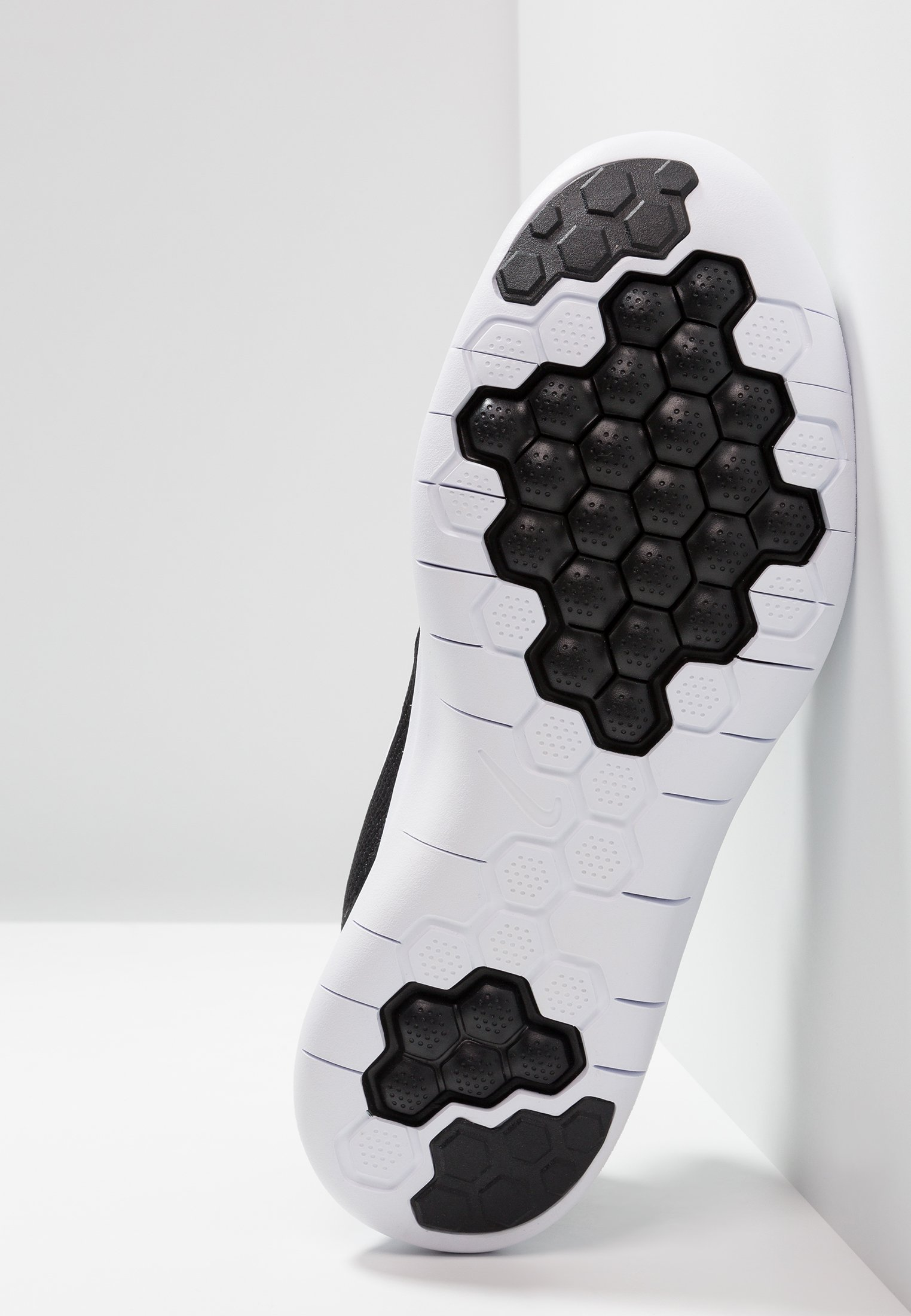 Nike Performance FLEX 2018 RN - Scarpa da corsa neutra - black/white