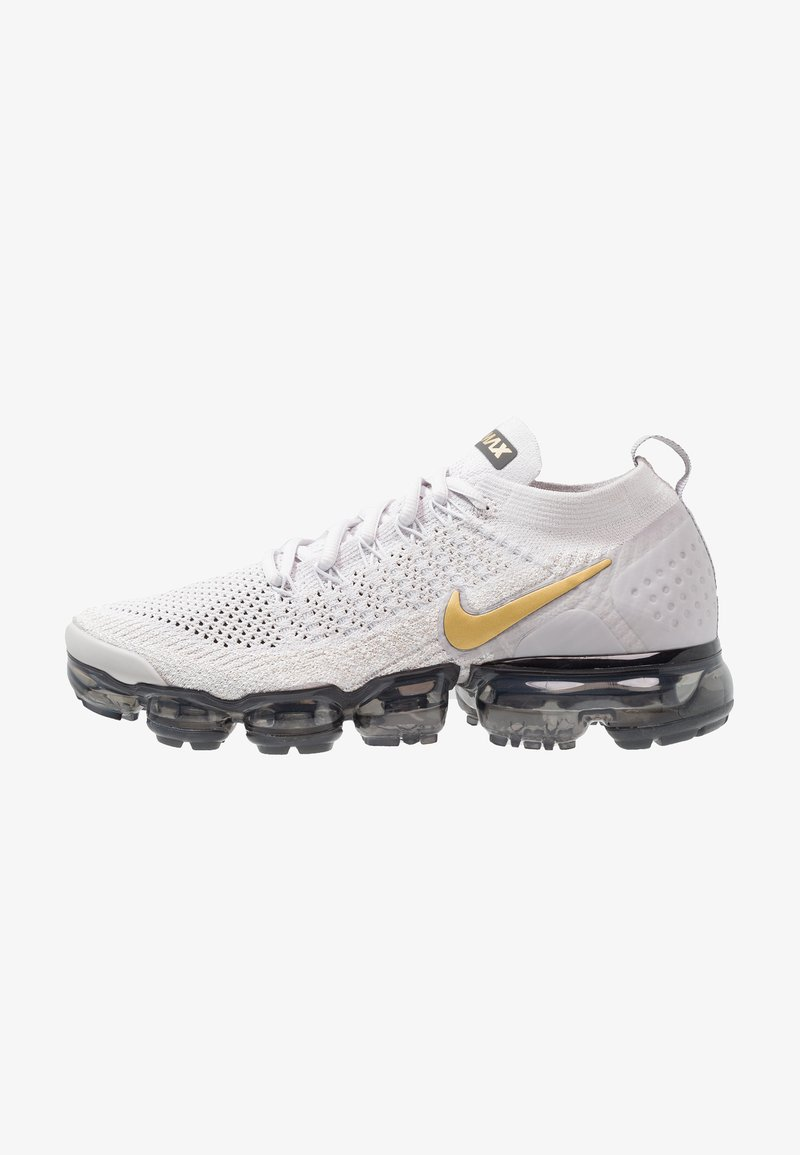 Nike Performance - AIR VAPORMAX FLYKNIT 2 - Zapatillas de running neutras - vast grey/metallic gold/pure platinum/dark grey/white