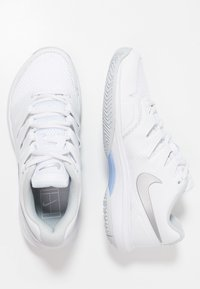 Nike Performance - AIR ZOOM PRESTIGE - Multicourt tennis shoes - white/metallic silver/pure platinum/aluminum - 1