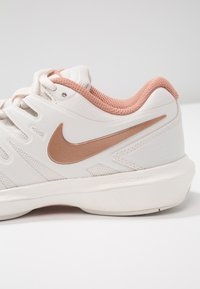 Nike Performance - AIR ZOOM PRESTIGE - Multicourt tennis shoes - phantom/metallic red bronze/rose gold - 5