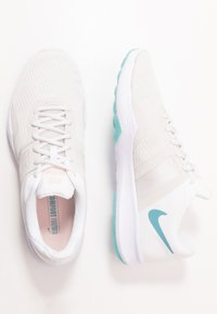 Nike Performance - CITY TRAINER 2 - Treningssko - white/cerulean/platinum tint/echo pink/barely grape
