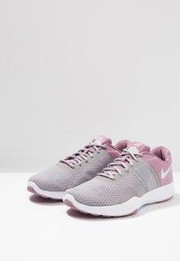 Nike Performance - CITY TRAINER 2 - Sportovní boty - plum dust/barely grey/atmosphere grey - 2