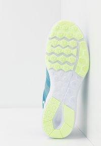 Nike Performance - CITY TRAINER 2 - Treningssko - industrial blue/barely volt/cerulean/white - 4