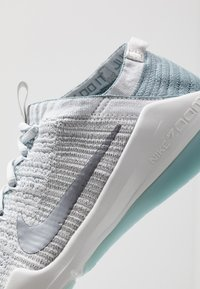 Nike Performance - AIR ZOOM FEARLESS FK 2 - Scarpe da fitness - ocean cube/metallic cool grey/aviator grey - 5