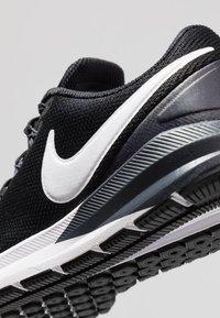 Nike Performance - AIR ZOOM STRUCTURE  - Løbesko stabilitet - black/white/gridiron - 6