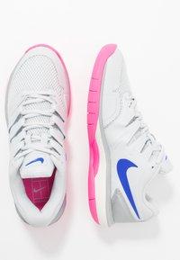 Nike Performance - AIR ZOOM PRESTIGE CPT - Zapatillas de tenis para moqueta sintética - pure platinum/racer blue/metallic platinum/pink blast/phantom - 1