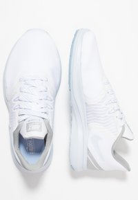 Nike Performance - IN-SEASON TR 8 - Gym- & träningskor - white/half blue - 1