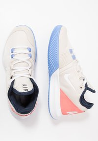 Nike Performance - AIR MAX WILDCARD CLAY - Clay court tennis shoes - light orewood brown/white/royal pulse - 1