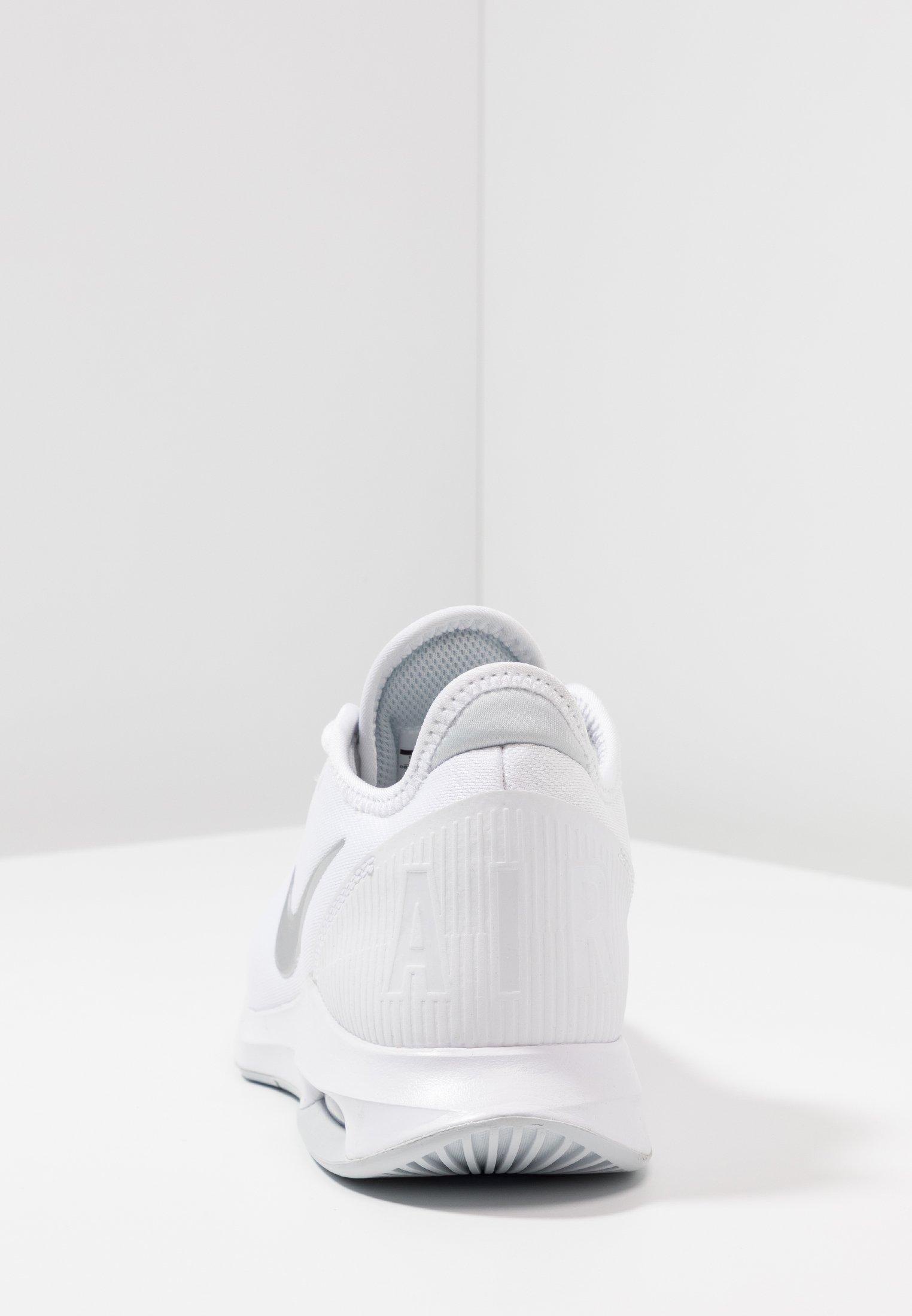 Nike Performance COURT AIR MAX WILDCARD - Scarpe da tennis per tutte le superfici - white/metallic silver/pure platinum/aluminum cH16Jvwk