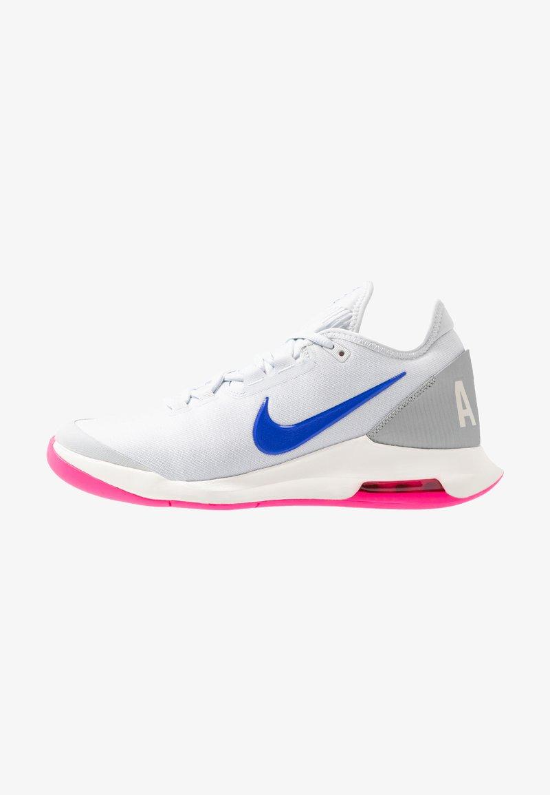 Nike Performance - COURT AIR MAX WILDCARD HC - Zapatillas de tenis para todas las superficies - pure platinum/racer blue/metallic platinum/pink blast/phantom