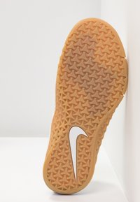 Nike Performance - METCON 4 XD X - Kuntoilukengät - white/medium brown - 4